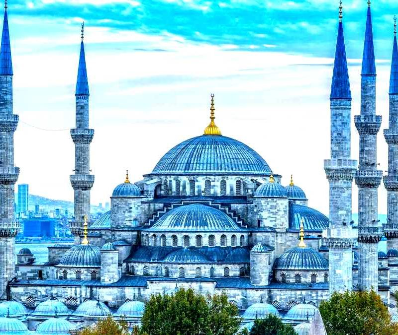 Make the best of your family vacation with this astonishing 4-nights and 5-days Istanbul holiday. ... This Turkey package offers a memorable tour of famous cities of Cappadocia, Pamukkale and Istanbul. Explore the rich cultural heritage of Turkey by visiting famous tourist attractions .