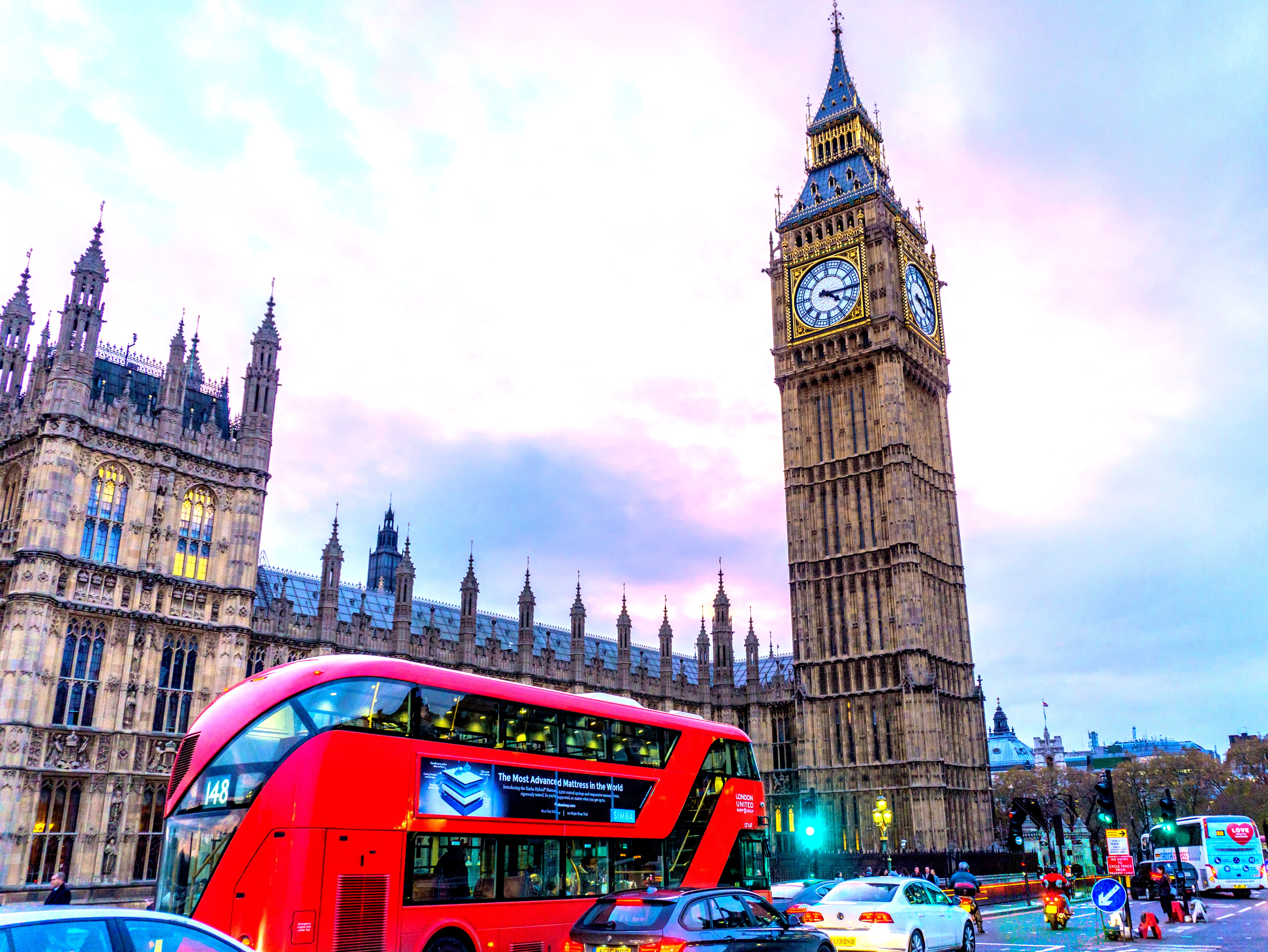 Get attractive Europe & UK Tour Packages from India at very affordable price by Royal Omania Tours & Travels, Visit: London , Amsterdam, Colonge, PARIS, STUTTGART,ENGELBERG, Mt. Titlis, VADUZ, INNSBRUCK, MESTRE,VENICE, PISA, FLORENCE, ROME